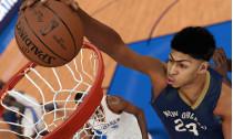 NBA 2K16 : Spike Lee porte le maillot du scénariste et trois joueurs stars pour les jaquettes